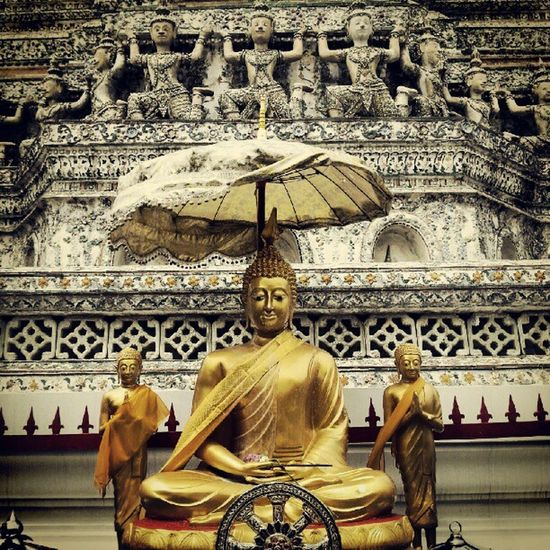 """Om Mani Padme Hum"" Buddha temple of dawn Wat Arun"
