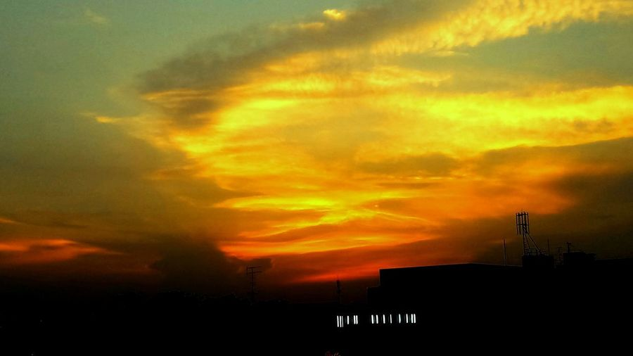 Sky Sunset Cloud - Sky Silhouette Orange Color Beauty In Nature Scenics - Nature Outdoors Idyllic Dusk Tranquil Scene Dramatic Sky