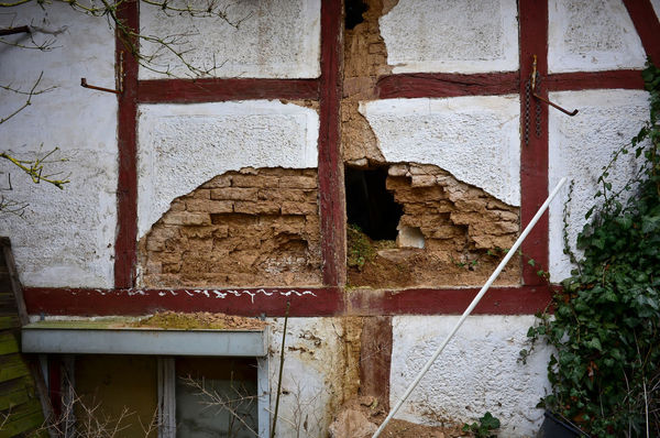 Fachwerkhaus Renovierung Zerfall Architecture Building Exterior Built Structure Close-up Day Desolate Scene Marode No People Outdoors Wall - Building Feature Weathered Window