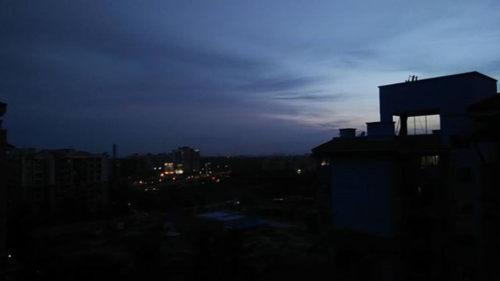Bengaluru Evening 6 :35Beautiful Chillweather Enjoyingtheview 9thfloorview Lovinit NoEdits  Natural Mobileclick Lovephotography  ..!!