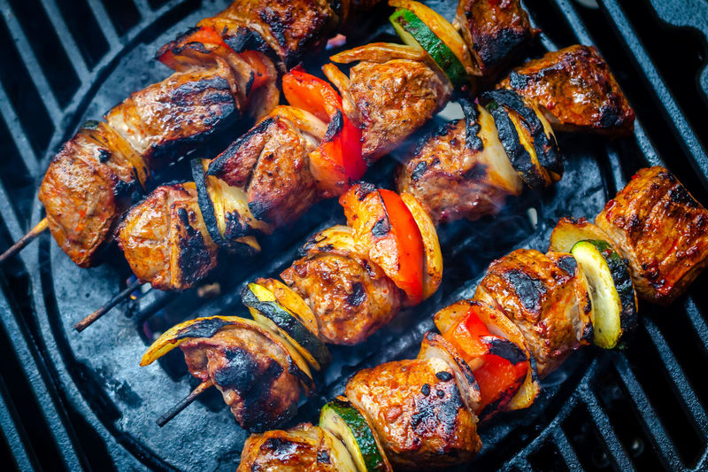 Barbecue Meat Food And Drink Grilled Food Barbecue Grill Chicken Meat Freshness Chicken No People Heat - Temperature Close-up Preparation  Ready-to-eat Still Life High Angle View Wellbeing White Meat Metal Healthy Eating Dinner Temptation Grill BBQ Vegetable Outdoors Summer Park Camping Hicking
