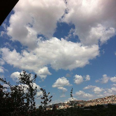 Şirkette çardakta otururkene 2 Istanbul Kartal Maltepe Sky gokyuzu bulut cloud manzara naturel