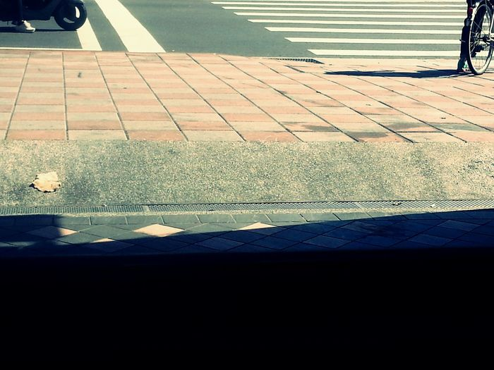 Crossroads Streetphotography Leaf Lines Shadow