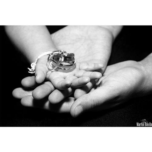 Aunque la labor de Padre no es Exclusiva para el Género Masculino, Un muy Feliz Día a quienes, Son Parte de la Familia en muchos casos quienes la soportan, Aconsejan, regañan, protegen e impulsan a cada uno de sus miembros Feliz Día….. Happyfathersday FelizDiaDelPadre Happyday FelizDIa padres papa familia family