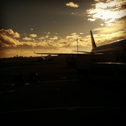 Visit at the airport Vienna ✈🌍📷 Airpot Airplane AirPlane ✈ Wings Travel Traveling Austrianairlines Vienna Wien Flughafen Nicephoto Sky Cloud - Sky Sunset Sunshine ☀ Hobbyphotography Photography HTC_photography HTC One Austria ❤