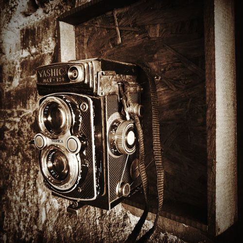 Old Camera Old Camera - Photographic Equipment Retro Styled Photography Themes Indoors  Close-up Photographing Old-fashioned Technology No People Pixelated Abandoned