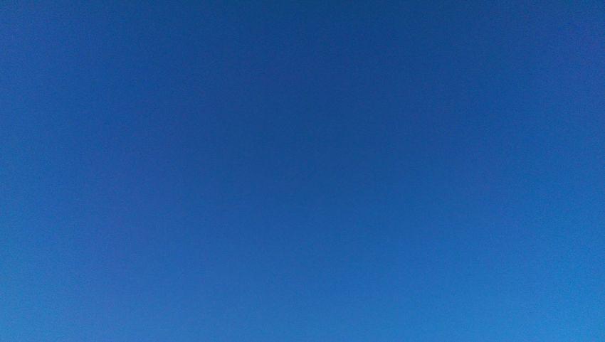 Cool Blue Sky Blue Sky No Clouds Beautiful Blue Sky☁ Blue Wave Blue The Essence Of Summer