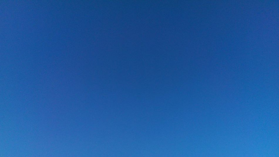 Cool Blue Sky Blue Sky No Clouds Beautiful Blue Sky☁ Blue Wave Blue The Essence Of Summer