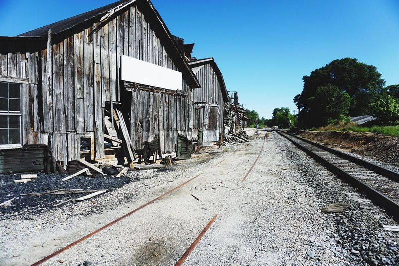 Railroad Track Clear Sky Outdoors Abandoned Architecture Live For The Story The Great Outdoors - 2017 EyeEm Awards The Architect - 2017 EyeEm Awards EyeEmNewHere