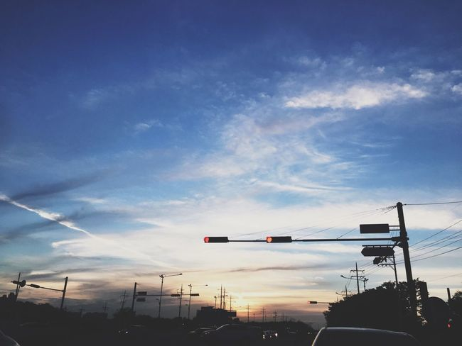 Daily Sky Cloud - Sky Iphoneonly Iphone6s IPhoneography Iphonesia Snap Sunset #sun #clouds #skylovers #sky #nature #beautifulinnature #naturalbeauty Photography Landscape [ Vscocam VSCO Gohome
