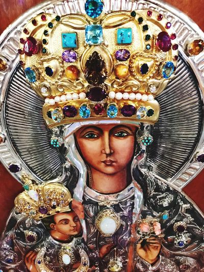 Religous Icons Mary Baby Jesus Art Jesus Human Representation Art And Craft Representation Indoors  Creativity Female Likeness Male Likeness Sculpture Spirituality Ornate Belief Religion
