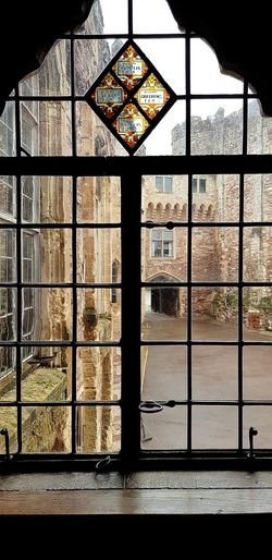 Berkeley Castle Castle View  Gloucestershire Walking Around Window Glass - Material Architecture Looking Through Window Building