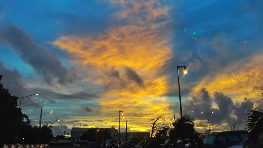 Capturing this beauty in my Windshield....Hello World Enjoying Life IvyEntures2016 First Eyeem Photo