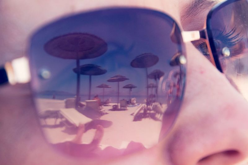 Sommergefühle Close-up Human Body Part One Woman Only Sunglasses Sunglasses Reflection Sunglass Reflection Sunglasses On The Beach Sunglasses On Best EyeEm Shot Best Of EyeEm Deep Thoughts Deep Thought