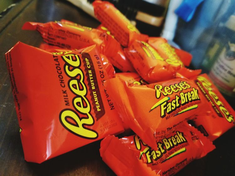 The type of candy to turn anyday to a great day!!💘👀👅 Candy ❤ Delicious ♡ Favorties  Reeses ❤ Fastbreak  Yummy♡ Foodporn