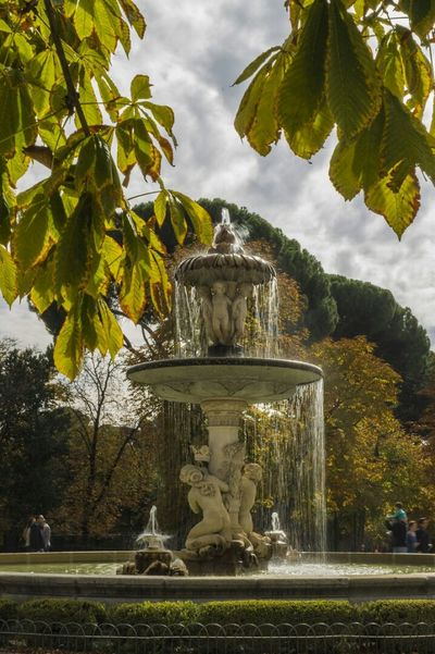 Fuente de la Alcachofa del Parque del Retiro. Madrid Madrid Monumental Parque Del Retiro Fuentes Rincones De Madrid Monumentos