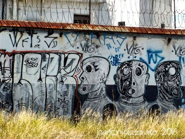 Graffiti Graffitiart Art Streetart UrbanART Streetphotography Urban Streetphoto_brasil Colors City Zonasul Saopaulo Brasil Photograph Ig_asylum Tv_urbex Trailblazers_urbex Rsa_preciousjunk Urbexbrasil Urbexsp Nasruasdesp011 Mundoruasp Olhonaruasp Flaming_abstracts