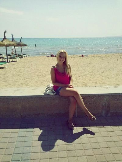 Travelling Sun Girl Blonde Hair Beach Hello World EyeEm Gallery Enjoying Life Good Times Happy