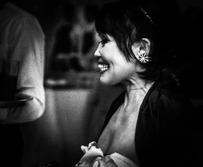 Eyemphotography EyeEmNewHere Badkat13 Sorriso Smile Bianco E Nero Biancoenero Black And White Black And White Photography Bnw Appia Antica Casa Roma Italia Italy Appia Antica Rome Mother 2018 Togetherness Two People Indoors  Happiness Smiling Women Night Lifestyles Adult
