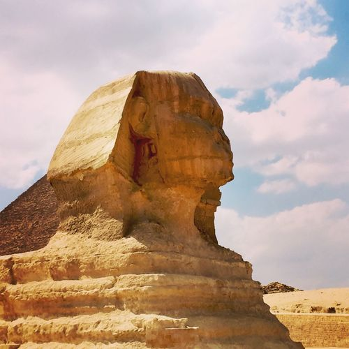 Great sphinx of giza against sky