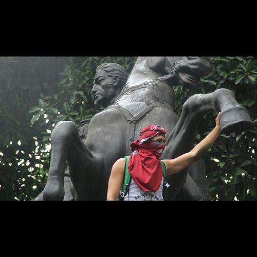 Los libertadores SimonBolivar Estudiantes Students Theliberators Venezuela 10M venezuelafotos igersvenezuela insta_ve sosvenezuela protesta ig_ve photooftheday picoftheday photofer Caracas contralarepresion