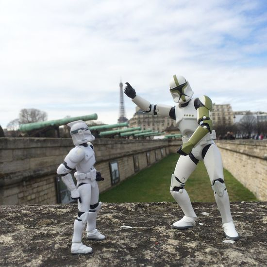 Tourist Trooper Family Paris Tour Eiffel