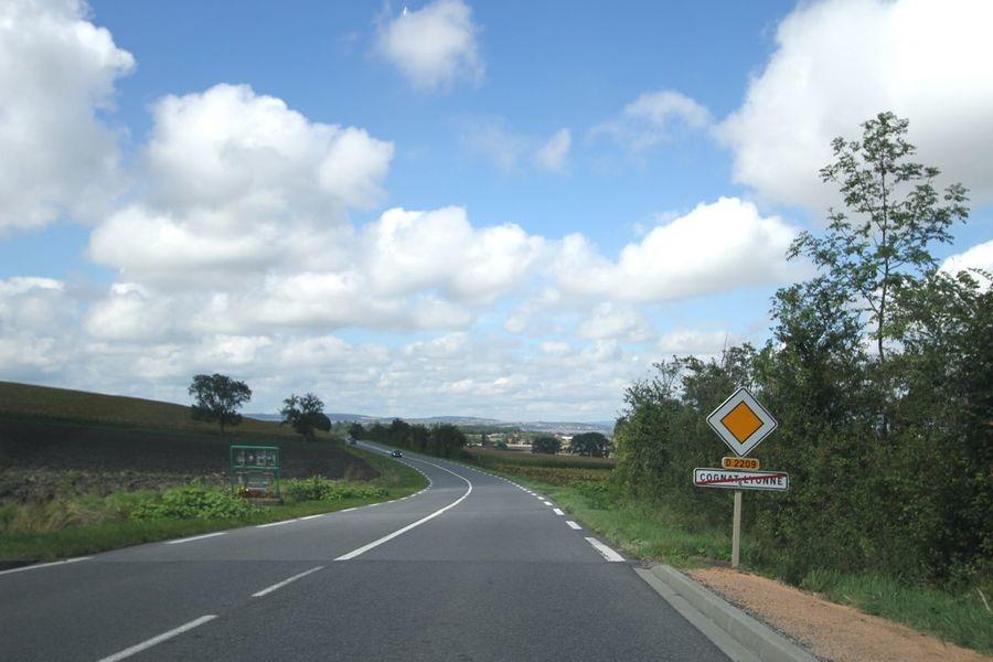 Panneau Road Sign Being A Tourist Travel Photography Traveling Roadtrip Road Trip France France Photos Auvergne Sur La Route Sur La Route... Landscape_Collection Landscape_photography