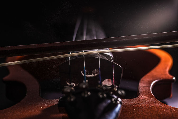 Violin WeekOnEyeEm Week On Eyeem Arts Culture And Entertainment Black Background Close-up Music Musical Equipment Musical Instrument Musical Instrument String No People Particles Selective Focus String String Instrument Studio Shot Violin The Creative - 2018 EyeEm Awards The Still Life Photographer - 2018 EyeEm Awards