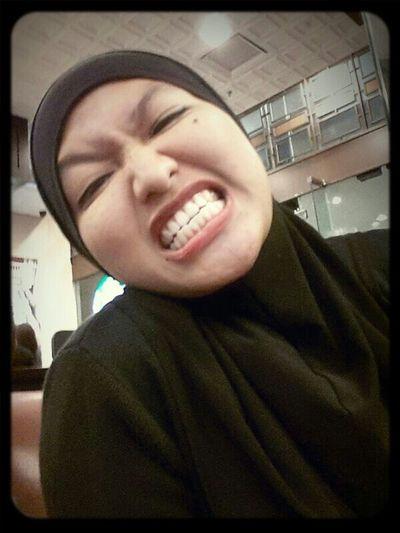 eeeeee...teeth... Photo Just Shoot
