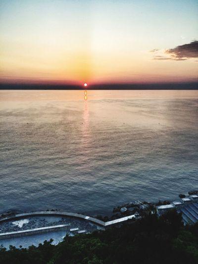 Ancona è l'unica città in cui è possibile vedere sia l'alba che il tramonto! 😎 Sunshine Passetto Adriaticsea Bestnatureshots Regionemarche Marchetouring Showcase: November Rivieradelconero Parcodelconero