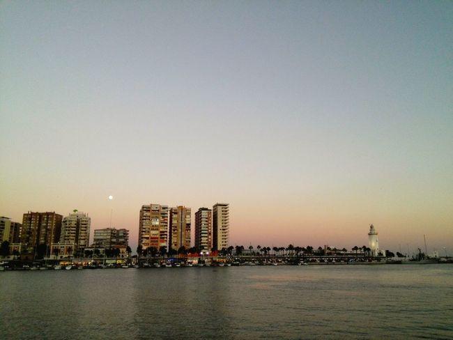 Málaga Spain ❤ Sea Mar Mer Port Puerto Sunset Moon Luna Lune City Edificios 月 夕暮れ 港 スペイン