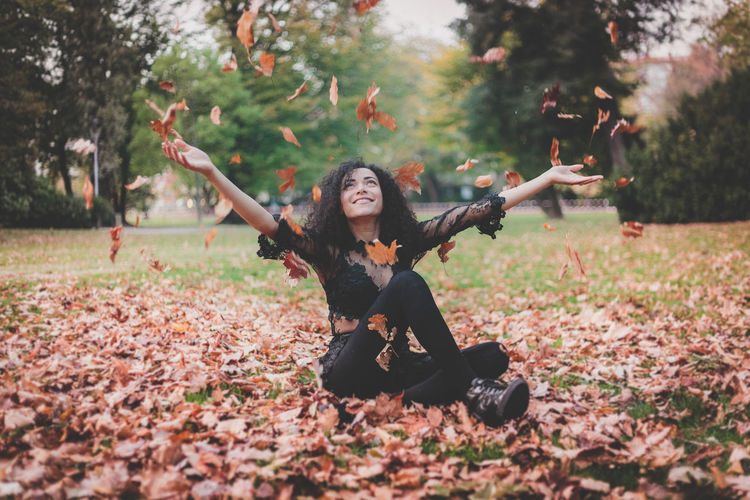 Project Folk Check This Out EyeEm EyeEm Best Edits EyeEm Best Shots EyeEm Masterclass EyeEm Selects EyeEm Gallery EyeEmBestPics EyeEmNewHere Fashion FirstEyeEmPic Portrait Of A Woman PortraitPhotography Portraits Arms Raised Autumn Beautiful Woman Beauty In Nature Casual Clothing Day Eyeemphotography Fashion Fashion Model Fashion Photography First Eyeem Photo Front View Full Length Happiness Leaf Leisure Activity Lifestyles Long Hair Looking At Camera Nature One Person Outdoors Portrait Portrait Photography Real People Smiling Tree Women Young Adult Young Women