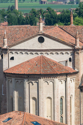 Gothic-Renaissance style of the dome in Montagnana, Italy. Ancient Architecture Brick Wall Building Cathedral Catholic Church Dome Europe Fountain Gothic High Historic Italian Italy Landmark Marble Medieval Montagnana Pinnacle Plaza Renaissance Rose Window Tourism Tower