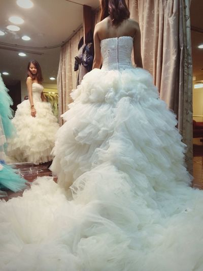 我要在你裙擺上翻滾 #wedding #Dress Weddingdress