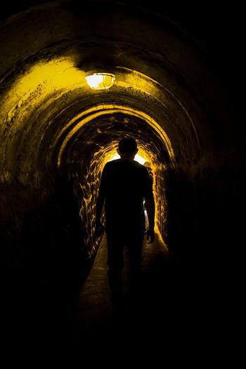 太行山又王屋山,连峰去天三尺三,说与愚公挖个洞,凑合也能两头钻。 tunnel Tunnel Silhouette Arch One Person Light At The End Of The Tunnel Lights