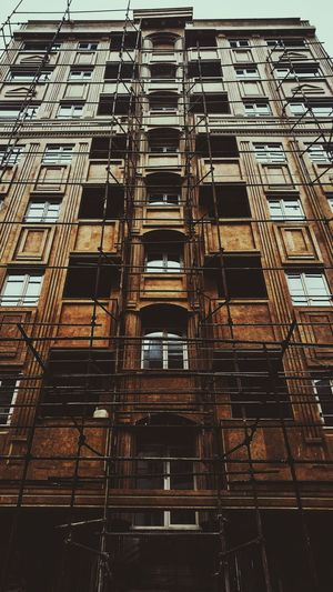 Architecture Built Structure Building Exterior Outdoors Mobilegraphy Mobilephotography V10 V10photography Architecture Street Babolsar Insiran1 Streetphotography Brown EyeEmNewHere EyeEmNewHere