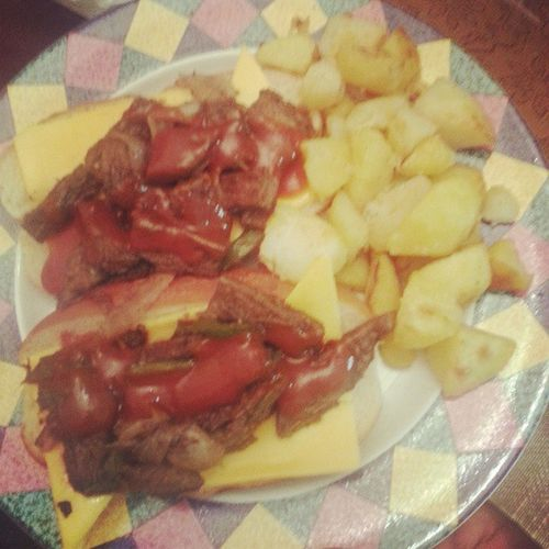 Philly cheese steaks with roasted potatoes. Yeah I can cook a lil bit Goodfuturehusband lol
