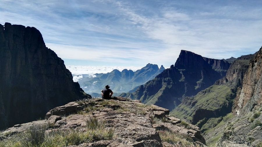Adventure Club Top Of The World Natural Beauty Hiking Drakensberg Happy Place Take Me Back Horizon Hello World Majestic Cloud - Sky
