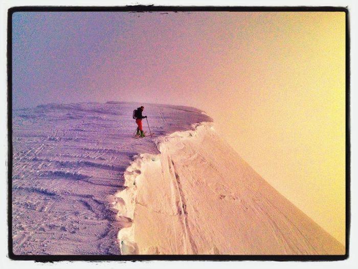 Cornisas De Peñalara #esquidemontaña #skimountaineering #skimo #training #mountain #ilovemountain #dynafit #spring #primavera #cotos #peñalara #gasss #amanecer #sunrise