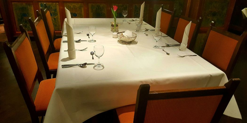 No People Table Indoors  Close-up Day Chairs Glasses Knifes Forges Spones Fine Guests Lunch Dinner Dinner Table Dinner Time Dinner With Family Flower Tulp Tulpe Dekoration