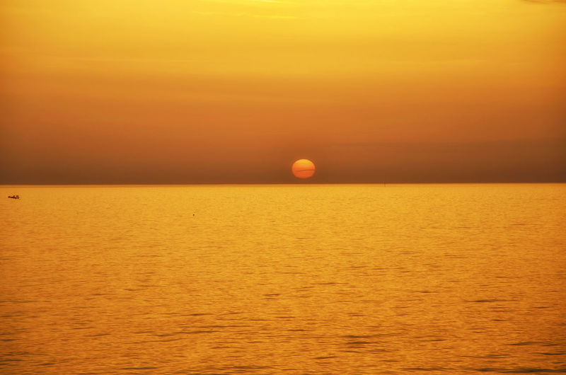 Golden Sunset. Atmospheric Mood Beauty In Nature Clear Sky Copy Space EyeEm Nature Lover Golden Hour Horizon Over Water Idyllic Nature Orange Color Outdoors Remote Rippled Scenics Sea Seascape Sky Sun Sunset Sunset_collection Taking Photos Tranquil Scene Tranquility Water Waterfront