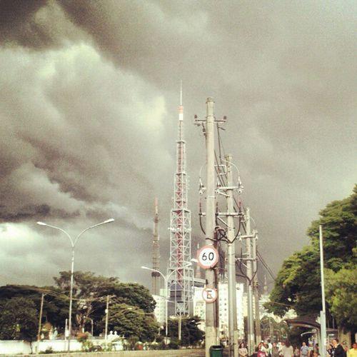 Será que chove hoje? Sky Saopaulo Paulista