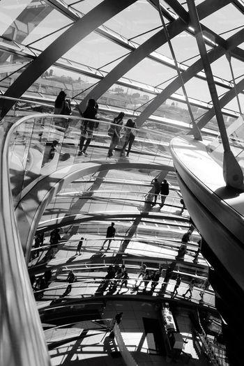 Capture Berlin Reichstag Berlin Reichstagdome Shadowswalking Circularramp Architectural Design Modern Architecture NormanFoster