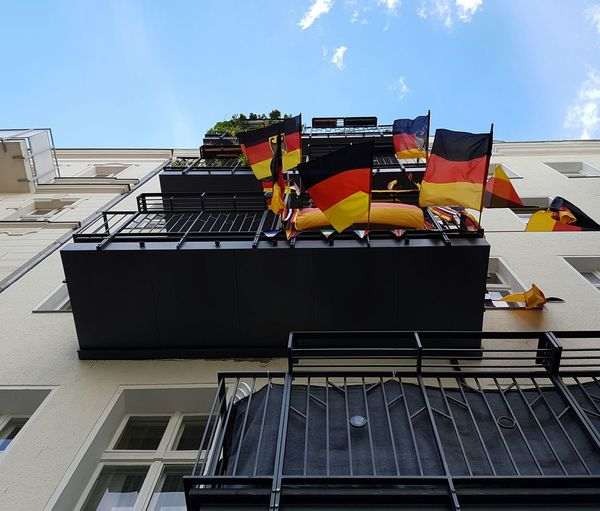 Background Germany🇩🇪 The Germans German Berlin Wedding  Berlin Moabit Berlin Photography Berlin Balcony Balcony Life Patriotism Photojournalism Photo Journalism Journalism German Flag Flags Balconys Berlincity Wedding Moabit Patriotic German Patriotism Too Much Berlin Life Berlin Street Photography