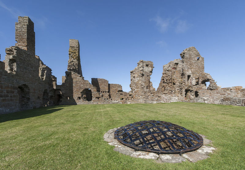 The Earl's Palace, Birsay Earl's Palace Orkney Orkney Islands Ancient Architecture Building Exterior Built Structure Castle Clear Sky Day Grass History No People Old Ruin Outdoors Palace Ruin Sky