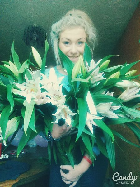 Birthday girl with favourite birthday flowers ??????? Birthdaygirl Birthday Flowers Lily's Happy 18