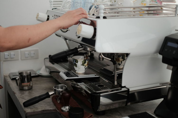 Human Hand Manufacturing Equipment Working Occupation Business Finance And Industry Skill  Machinery Close-up Espresso Maker Coffee Maker Coffee Pot Coffee Bean Cafe Macchiato Coffee Shop Roasted Coffee Bean Ground Coffee Barista Espresso Sewing Machine Machine Machine Part