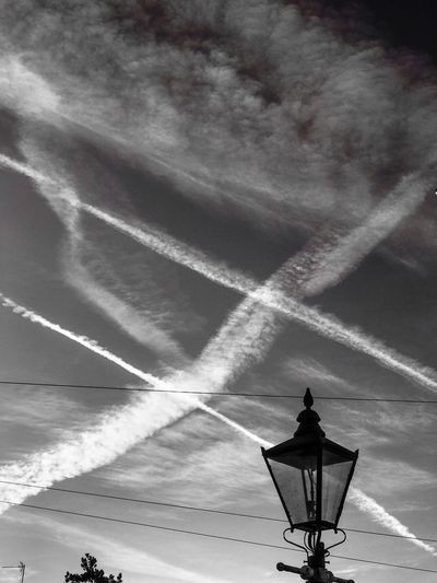 Time to play noughts and crosses in the vapour trails. Vapor Trail Outdoors Low Angle View Contrail Cloud - Sky Nature No People Day Airplane Light This Week On Eyeem EyeEmNewHere Popular EyeEm Masterclass EyeEm Team EyeEm Best Shots EyeEmBestPics EyeEm Gallery Eyeem Photography Art Is Everywhere Noughts And Crosses Contrail Cloudscape