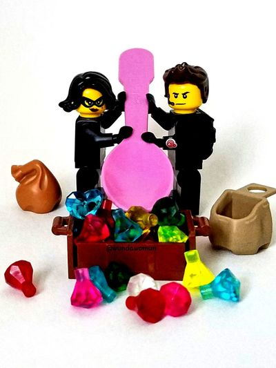 Octover 28-Spoon Fmsphotoaday LEGO Minifigures Spy Jewel Thief Hispalego