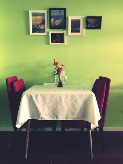 Bistro a Gogo Romantic Dining Stylish Restaurant Indoors  Table Chair Home Interior No People Flower Home Showcase Interior